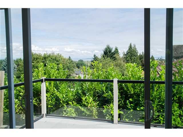 """Photo 10: Photos: 408 ALLEN Drive in Tsawwassen: Pebble Hill House for sale in """"PEBBLE HILL"""" : MLS®# V1137836"""