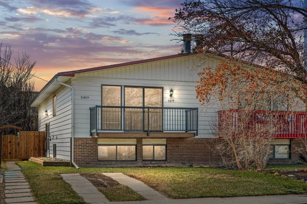 Main Photo: 2419 6 Street NW in Calgary: Mount Pleasant Semi Detached for sale : MLS®# A1101529