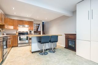 """Photo 5: 233 BALMORAL Place in Port Moody: North Shore Pt Moody Townhouse for sale in """"Balmoral Place"""" : MLS®# R2585129"""