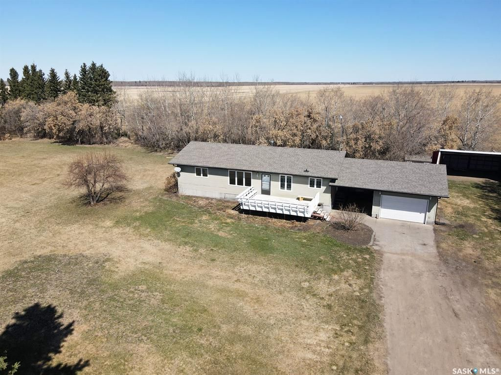 Main Photo: 6.5 KM East of Meadow Lake in Meadow Lake: Residential for sale (Meadow Lake Rm No.588)  : MLS®# SK854272