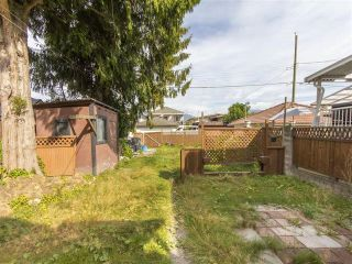 Photo 13: 3123 E 4TH Avenue in Vancouver: Renfrew VE House for sale (Vancouver East)  : MLS®# R2106855