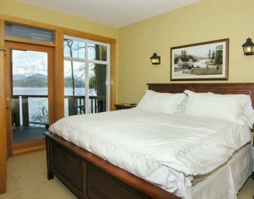 """Photo 2: Photos: 1508 TIDEVIEW Road in Gibsons: Gibsons & Area House for sale in """"LANGDALE"""" (Sunshine Coast)  : MLS®# V621776"""