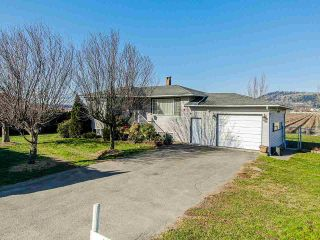 Photo 3: 35563 VYE Road in Abbotsford: Poplar House for sale : MLS®# R2428010