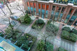 """Photo 16: 403 22 E CORDOVA Street in Vancouver: Downtown VE Condo for sale in """"VAN HORNE"""" (Vancouver East)  : MLS®# R2445831"""