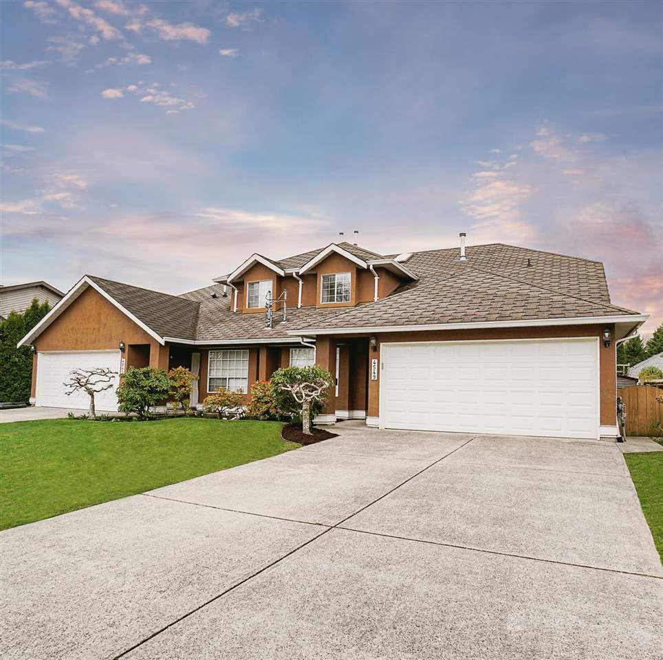 Main Photo: 4549 SAVOY Street in Delta: Port Guichon 1/2 Duplex for sale (Ladner)  : MLS®# R2562321