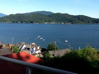 Photo 3: 481 CENTRAL Avenue in Gibsons: Gibsons & Area House for sale (Sunshine Coast)  : MLS®# R2491931