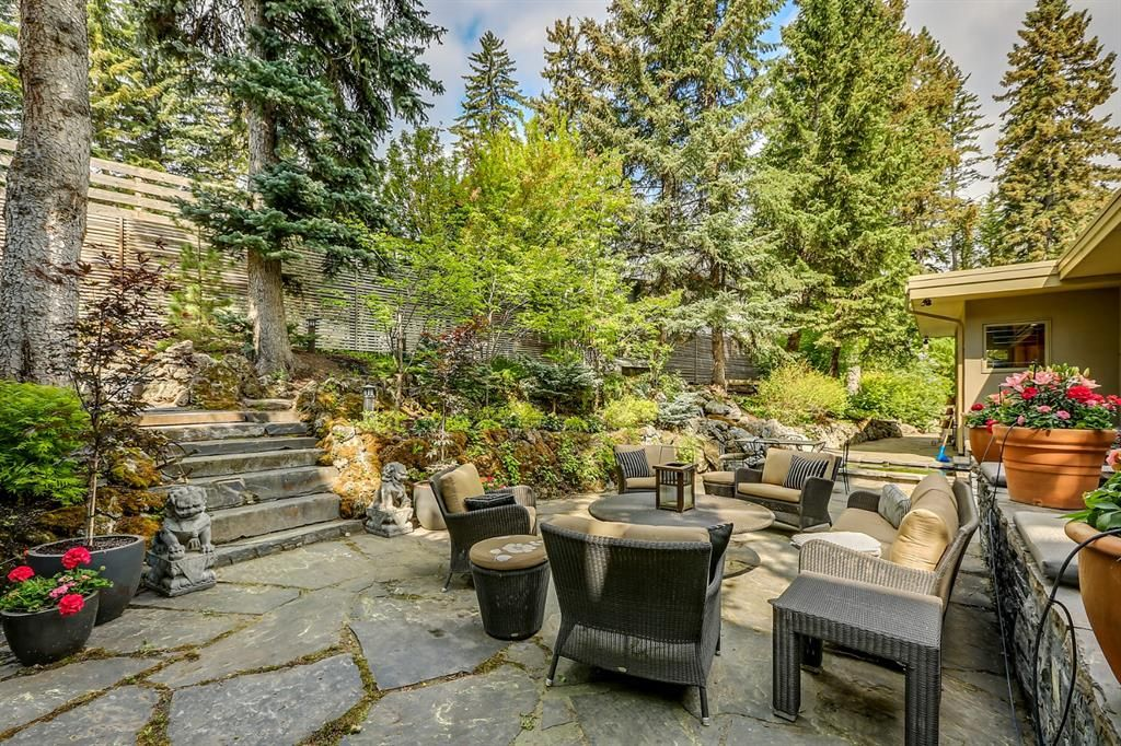 Photo 19: Photos: 2207 Amherst Street SW in Calgary: Upper Mount Royal Detached for sale : MLS®# A1062156