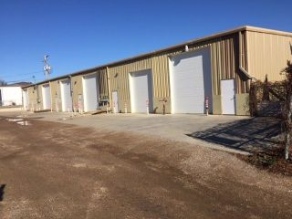 Photo 2: 818 Cynthia Street East in Saskatoon: Airport Industrial Commercial for sale