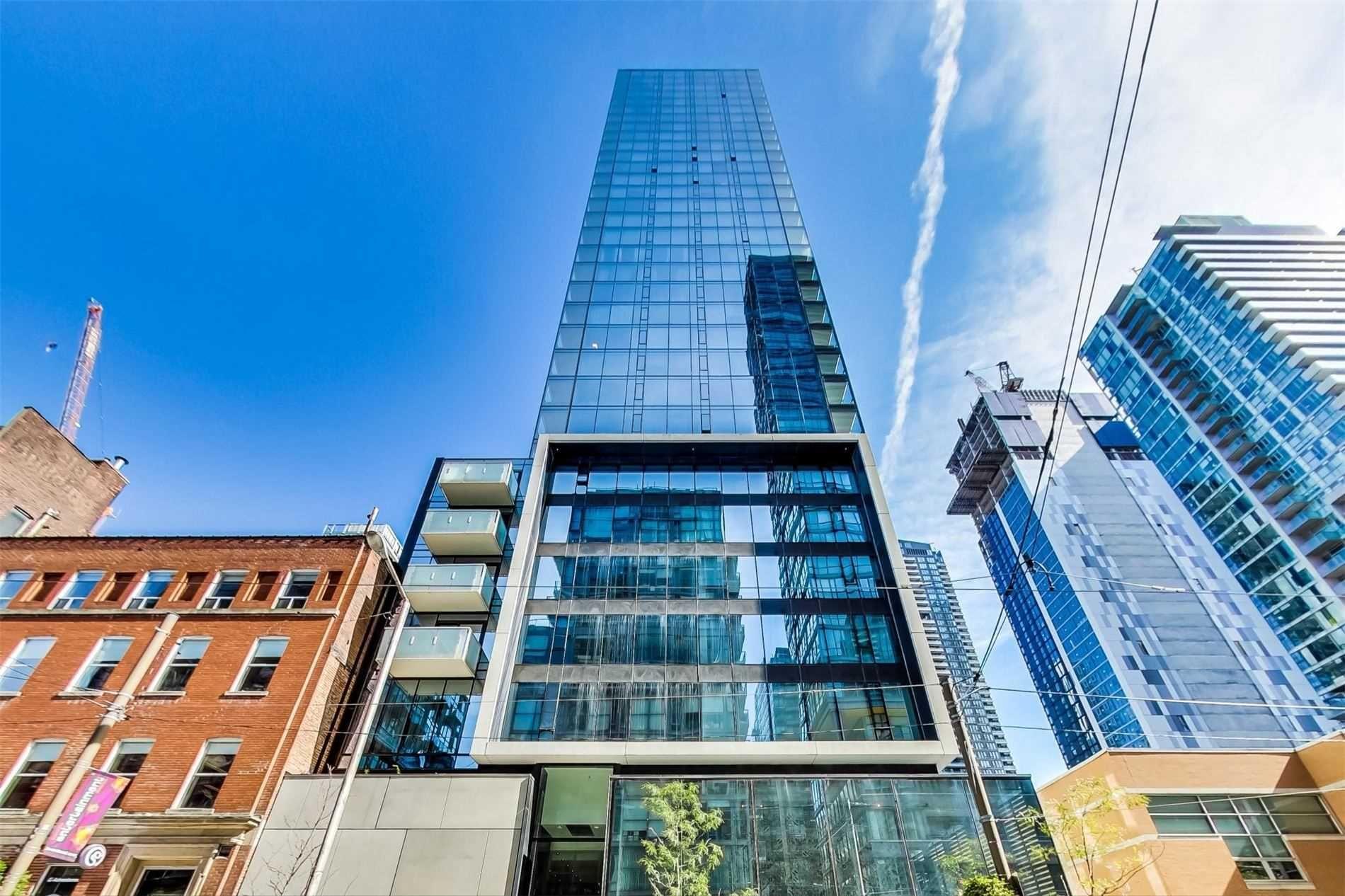 Main Photo: 2104 11 Charlotte Street in Toronto: Waterfront Communities C1 Condo for lease (Toronto C01)  : MLS®# C5392629
