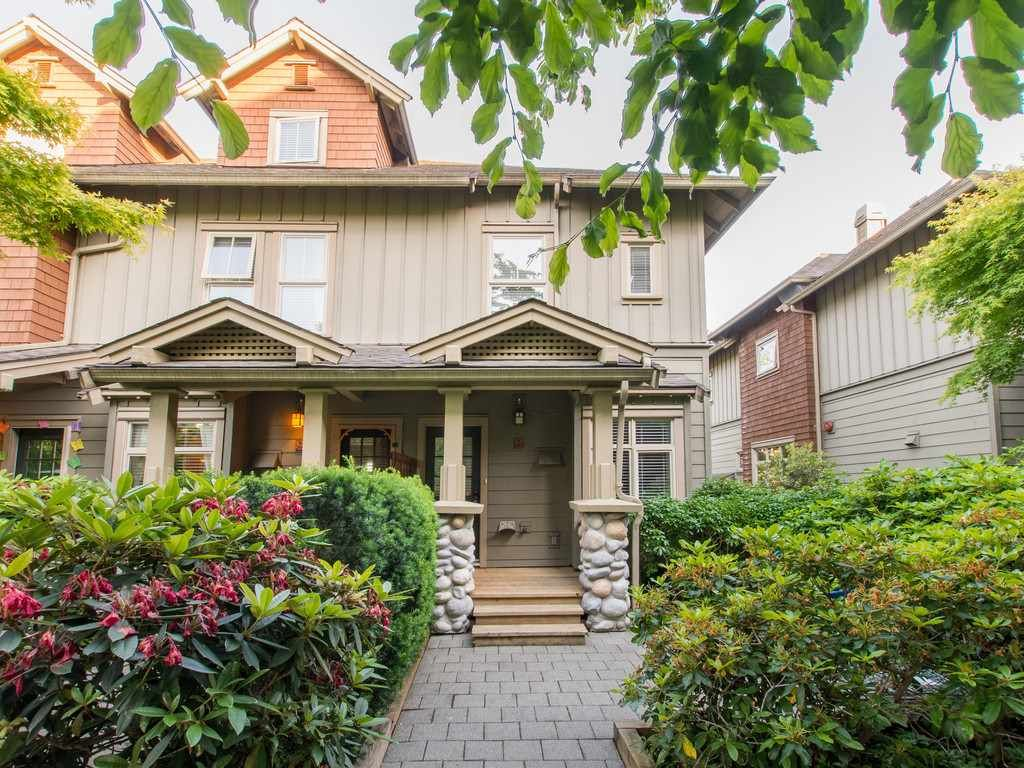 """Main Photo: 245 15 SIXTH Avenue in New Westminster: GlenBrooke North Townhouse for sale in """"CROFTON"""" : MLS®# R2074537"""