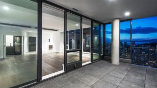 """Photo 8: 2501 620 CARDERO Street in Vancouver: Coal Harbour Condo for sale in """"Cardero"""" (Vancouver West)  : MLS®# R2532352"""