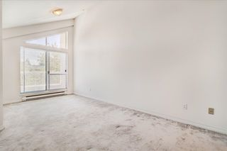 """Photo 18: 302 15272 20 Avenue in Surrey: King George Corridor Condo for sale in """"WINDSOR COURT"""" (South Surrey White Rock)  : MLS®# R2602233"""