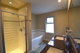 Photo 9: 229 SALTER Street in New Westminster: Queensborough Condo for sale : MLS®# R2386046