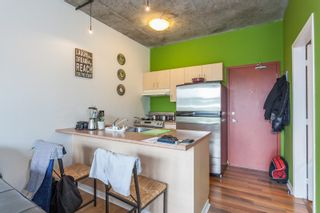 """Photo 5: 303 22 E CORDOVA Street in Vancouver: Downtown VE Condo for sale in """"Van Horne"""" (Vancouver East)  : MLS®# R2191464"""