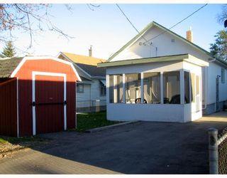 Photo 2: 266 KILBRIDE Avenue in WINNIPEG: West Kildonan / Garden City Residential for sale (North West Winnipeg)  : MLS®# 2718542