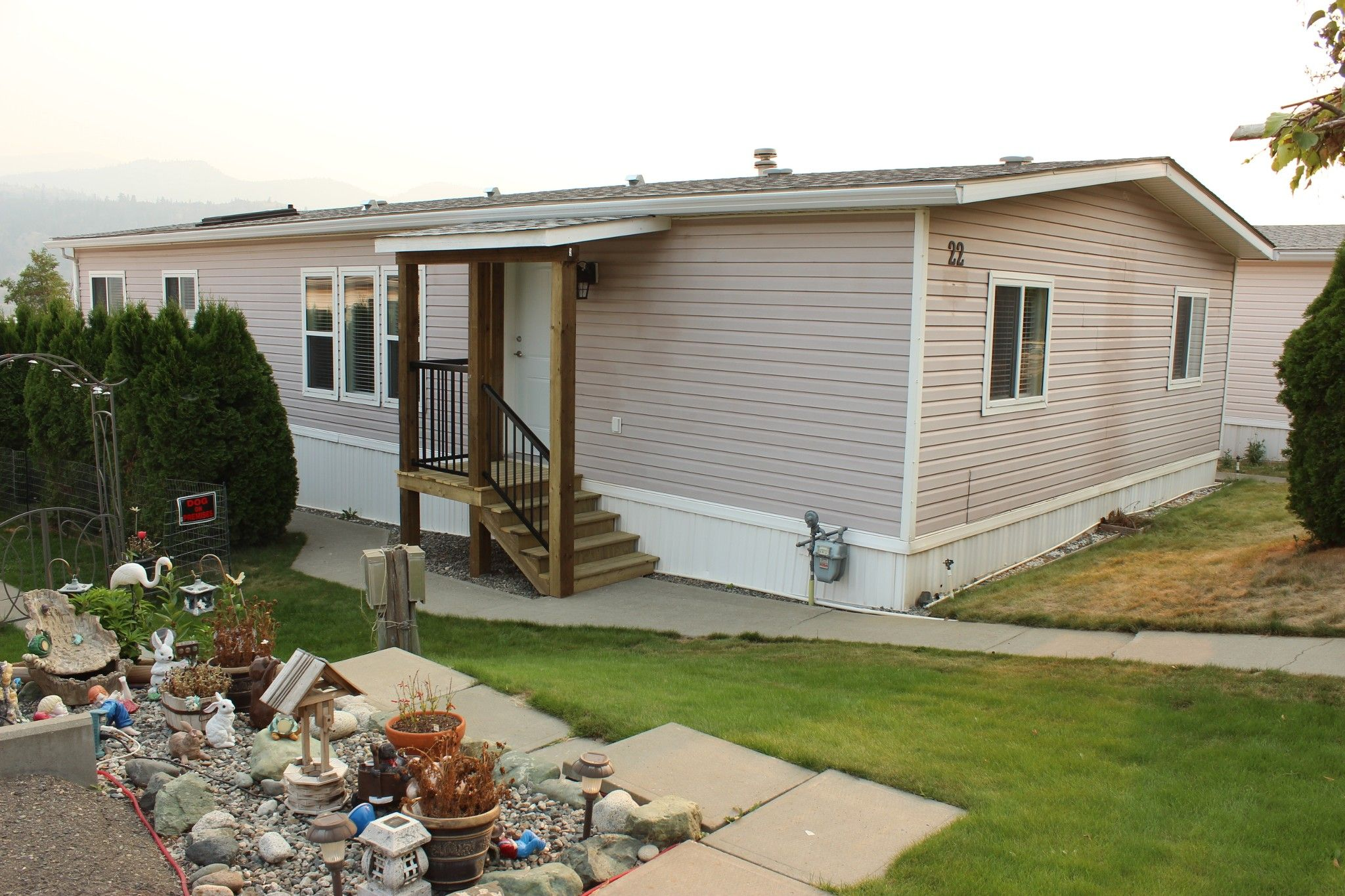 Photo 1: Photos: 22 3099 E Shuswap Road in Kamloops: South Thompson Valley Manufactured Home for sale : MLS®# 147827