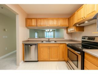 """Photo 7: 205 1569 EVERALL Street: White Rock Condo for sale in """"SEAWYND MANOR"""" (South Surrey White Rock)  : MLS®# R2413623"""