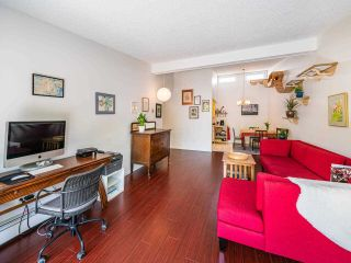 """Photo 14: 412 2333 TRIUMPH Street in Vancouver: Hastings Condo for sale in """"LANDMARK MONTEREY"""" (Vancouver East)  : MLS®# R2582065"""
