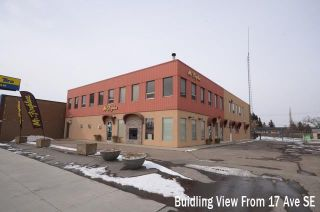 Photo 2: 5410 17 Avenue SE in Calgary: Penbrooke Meadows Retail for sale : MLS®# C4306306