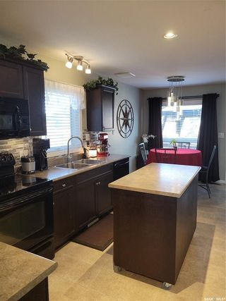 Photo 6: 943 Glenview Cove in Martensville: Residential for sale : MLS®# SK870456