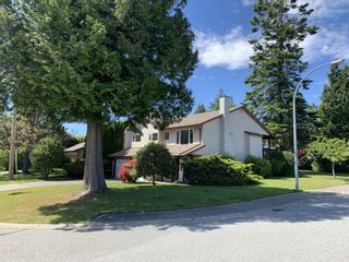"Photo 2: 13257 15 Avenue in Surrey: Crescent Bch Ocean Pk. House for sale in ""Ocean Park"" (South Surrey White Rock)  : MLS®# R2373689"