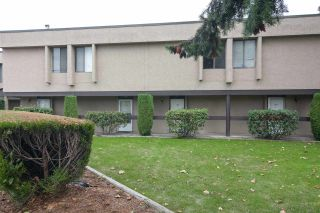 "Photo 6: 106 17720 60 Avenue in Surrey: Cloverdale BC Townhouse for sale in ""Clover Park Gardens"" (Cloverdale)  : MLS®# R2212954"