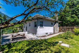 Photo 2: 610 FRASER Avenue in Hope: Hope Center House for sale : MLS®# R2467029