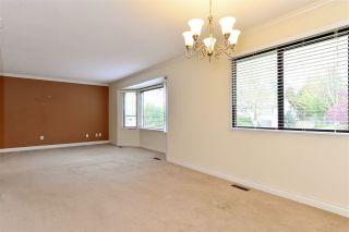 """Photo 5: 6337 SUNDANCE Drive in Surrey: Cloverdale BC House for sale in """"Cloverdale"""" (Cloverdale)  : MLS®# R2056445"""