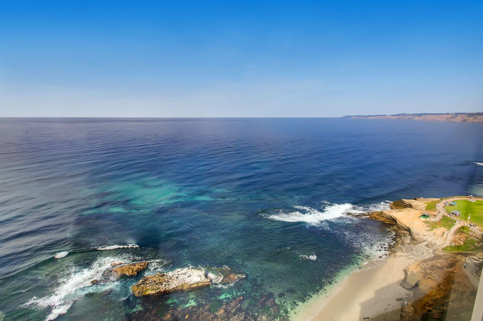 Main Photo: Condo for sale : 2 bedrooms : 939 Coast Blvd #21DE in La Jolla