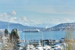 """Photo 1: 603 1925 ALBERNI Street in Vancouver: West End VW Condo for sale in """"Laguna Parkside"""" (Vancouver West)  : MLS®# R2429740"""