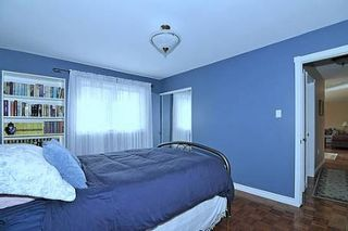 Photo 6: 10 Sir Bodwin Place in Markham: House (Bungalow) for sale (N11: LOCUST HIL)  : MLS®# N1949171
