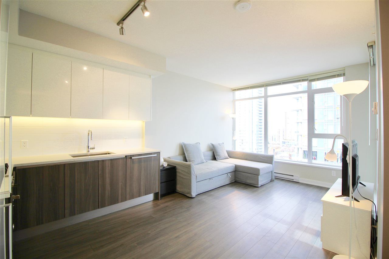 """Main Photo: 1705 4900 LENNOX Lane in Burnaby: Metrotown Condo for sale in """"THE PARK"""" (Burnaby South)  : MLS®# R2352671"""