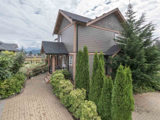 """Photo 18: 4 728 GIBSONS Way in Gibsons: Gibsons & Area Townhouse for sale in """"Islandview Lanes"""" (Sunshine Coast)  : MLS®# R2538180"""