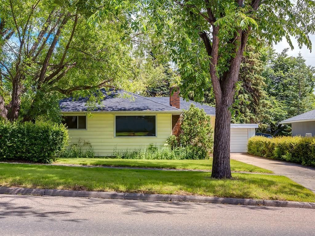 Main Photo: 3820 19 Street NW in Calgary: Collingwood Detached for sale : MLS®# C4259459