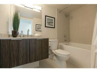 """Photo 11: 701 1088 RICHARDS Street in Vancouver: Yaletown Condo for sale in """"RICHARDS LIVING"""" (Vancouver West)  : MLS®# V1139508"""
