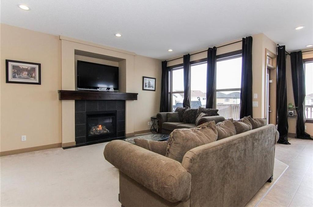 Photo 16: Photos: 21 CRANBERRY Cove SE in Calgary: Cranston House for sale : MLS®# C4164201