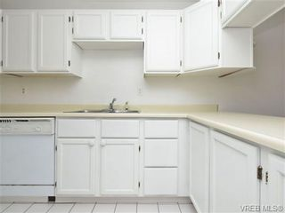 Photo 9: 208 406 Simcoe St in VICTORIA: Vi James Bay Condo for sale (Victoria)  : MLS®# 711962