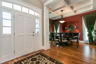 """Photo 5: 3242 142A Street in Surrey: Elgin Chantrell House for sale in """"Elgin Estate"""" (South Surrey White Rock)  : MLS®# R2588719"""