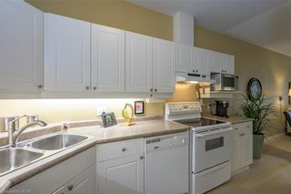 Photo 10: 36 1555 HIGHBURY Avenue in London: East A Residential for sale (East)  : MLS®# 40162340