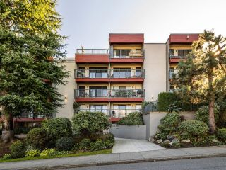 """Photo 8: 210 2120 W 2ND Avenue in Vancouver: Kitsilano Condo for sale in """"ARBUTUS PLACE"""" (Vancouver West)  : MLS®# R2625564"""