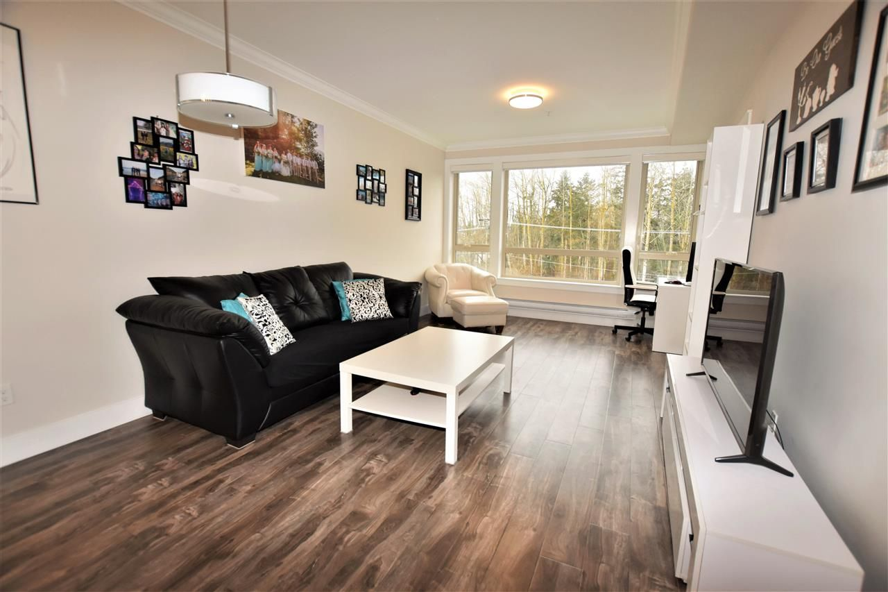 """Photo 7: Photos: 404 19228 64 Avenue in Surrey: Clayton Condo for sale in """"Focal Point"""" (Cloverdale)  : MLS®# R2535709"""