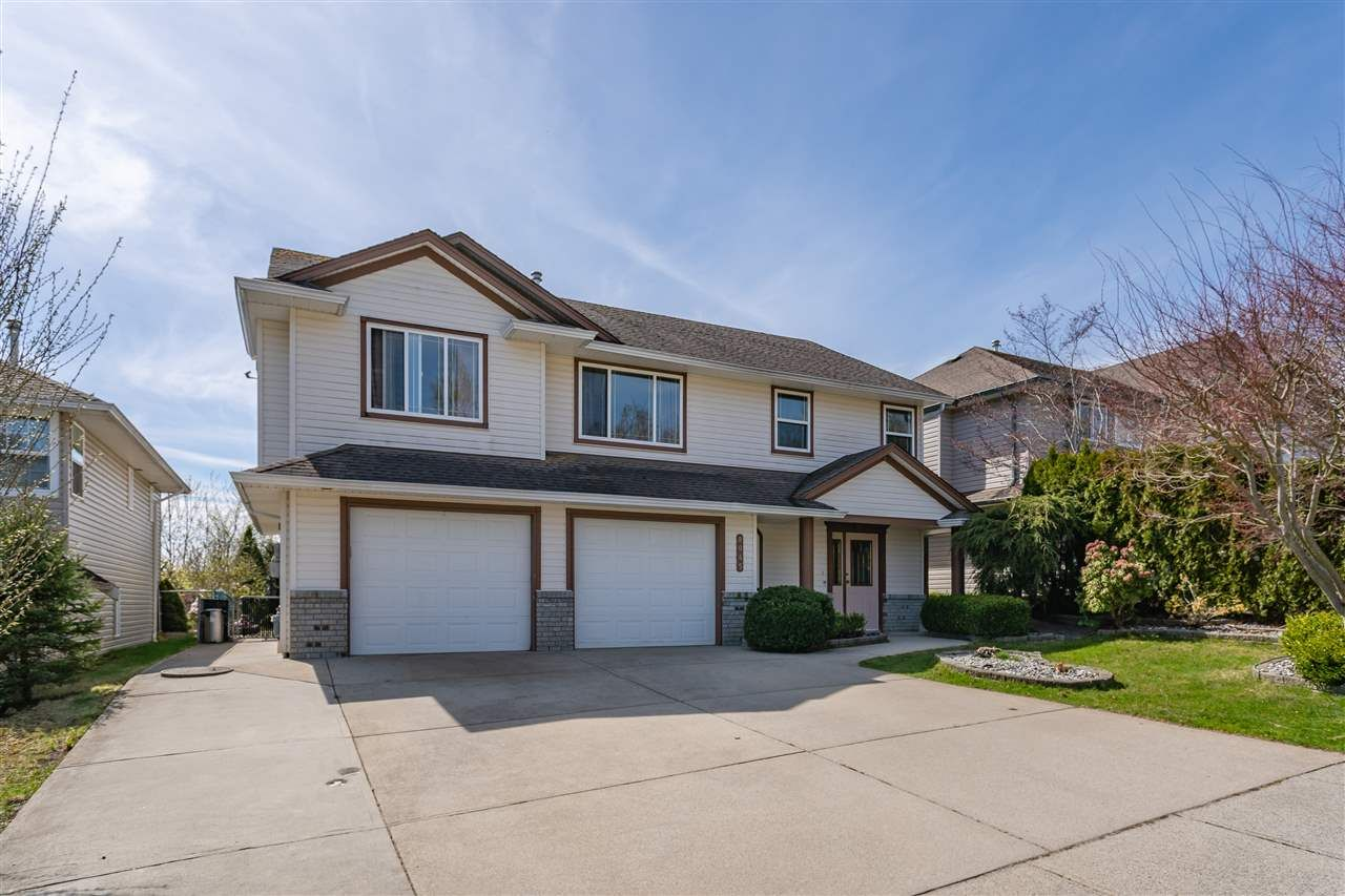 """Main Photo: 8045 D'HERBOMEZ Drive in Mission: Mission BC House for sale in """"College Heights"""" : MLS®# R2353591"""