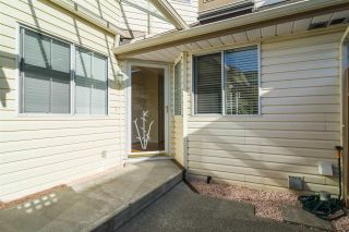 Photo 2: 48 6140 192 Street in Surrey: Cloverdale BC Townhouse for sale (Cloverdale)  : MLS®# R2198090