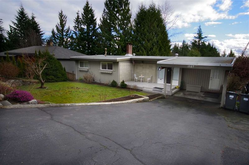 FEATURED LISTING: 1527 MERLYNN Crescent North Vancouver