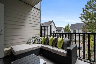 """Photo 11: 10 2427 164 Street in Surrey: Grandview Surrey Townhouse for sale in """"THE SMITH"""" (South Surrey White Rock)  : MLS®# R2565013"""