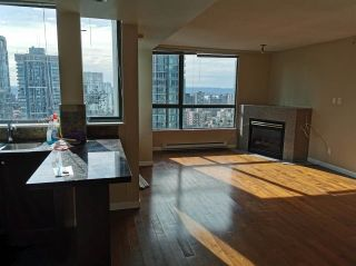 "Photo 1: 3104 1238 MELVILLE Street in Vancouver: Coal Harbour Condo for sale in ""POINTE CLAIRE"" (Vancouver West)  : MLS®# R2574213"