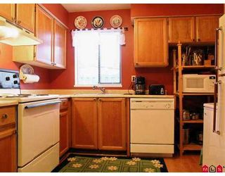 "Photo 3: 3030 TRETHEWEY Street in Abbotsford: Abbotsford West Townhouse for sale in ""Clearbrook Village"" : MLS®# F2700195"