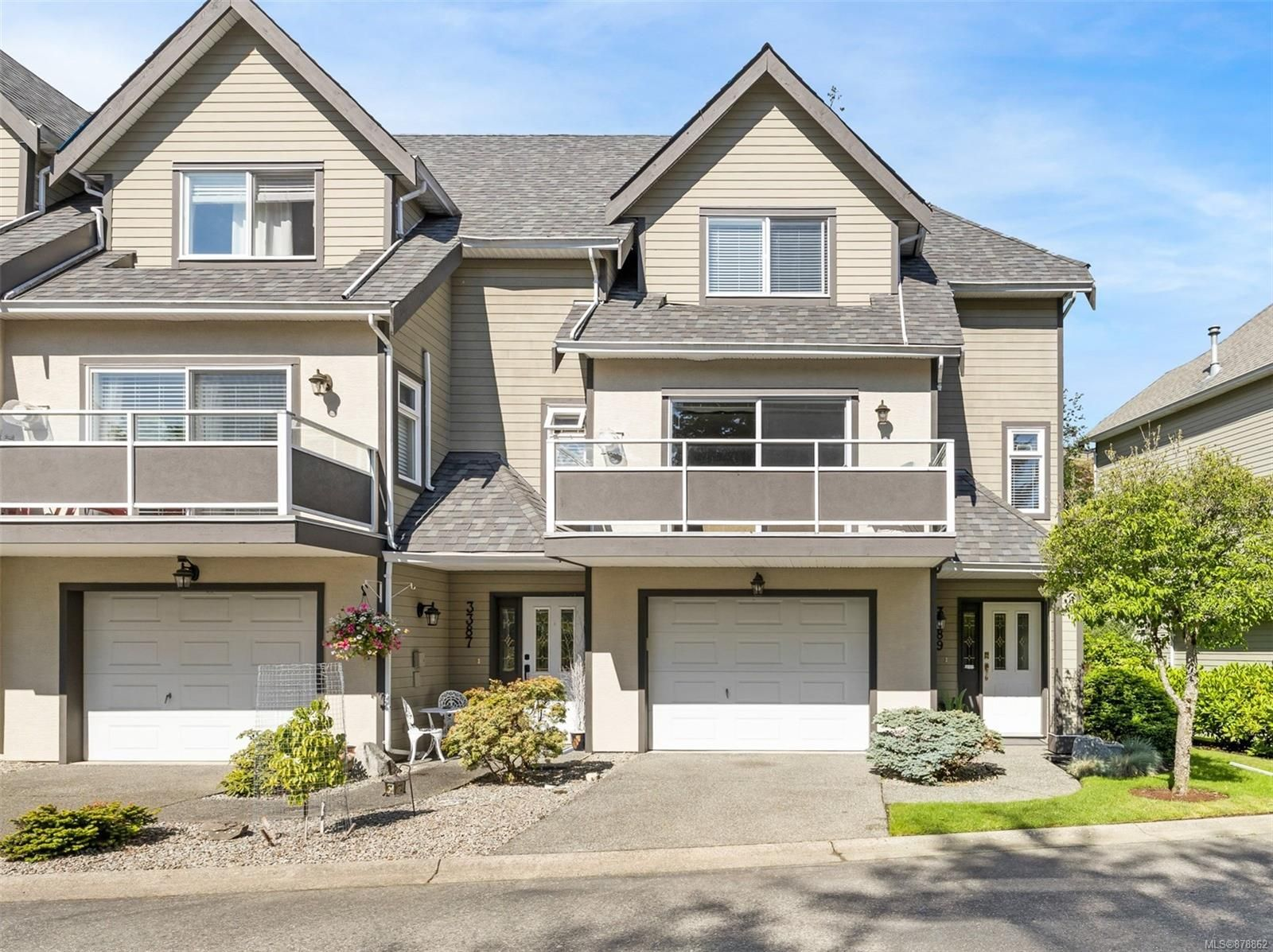 Main Photo: 3389 Mariposa Dr in : Na Departure Bay Row/Townhouse for sale (Nanaimo)  : MLS®# 878862
