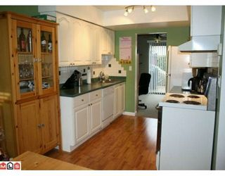 """Photo 5: 113 13880 74 Avenue in Surrey: East Newton Townhouse for sale in """"Wedgewood Estates"""" : MLS®# F1003107"""