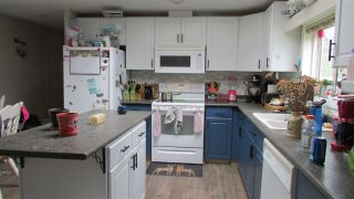 """Photo 3: 9003 TAYLOR Avenue: Hudsons Hope Manufactured Home for sale in """"JAMIESON SUBDIVISION"""" (Fort St. John (Zone 60))  : MLS®# R2456182"""